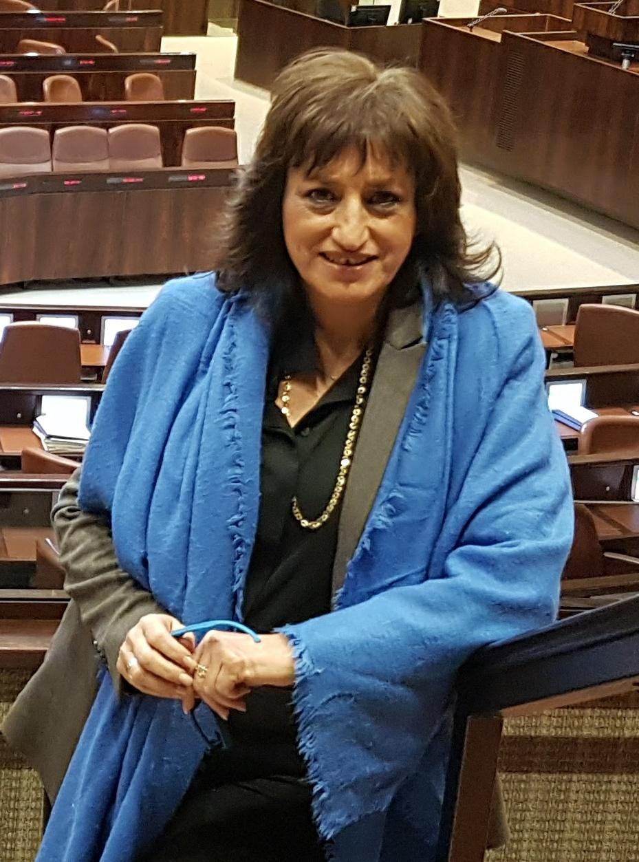 אני פרידמן נבחרה לשמש כמומחית בוועדת ההיגוי של קוד הלבוש בכנסת ישראל, מגזין, תדמית, מיתוג וקוד לבוש