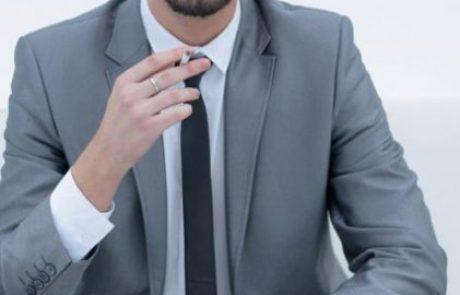 האם חליפה גורמת לאדם לתפוס את העולם אחרת?
